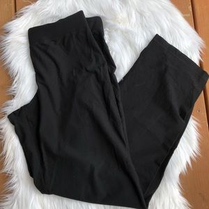 [Eileen Fisher] Black Cropped Pants - Size M